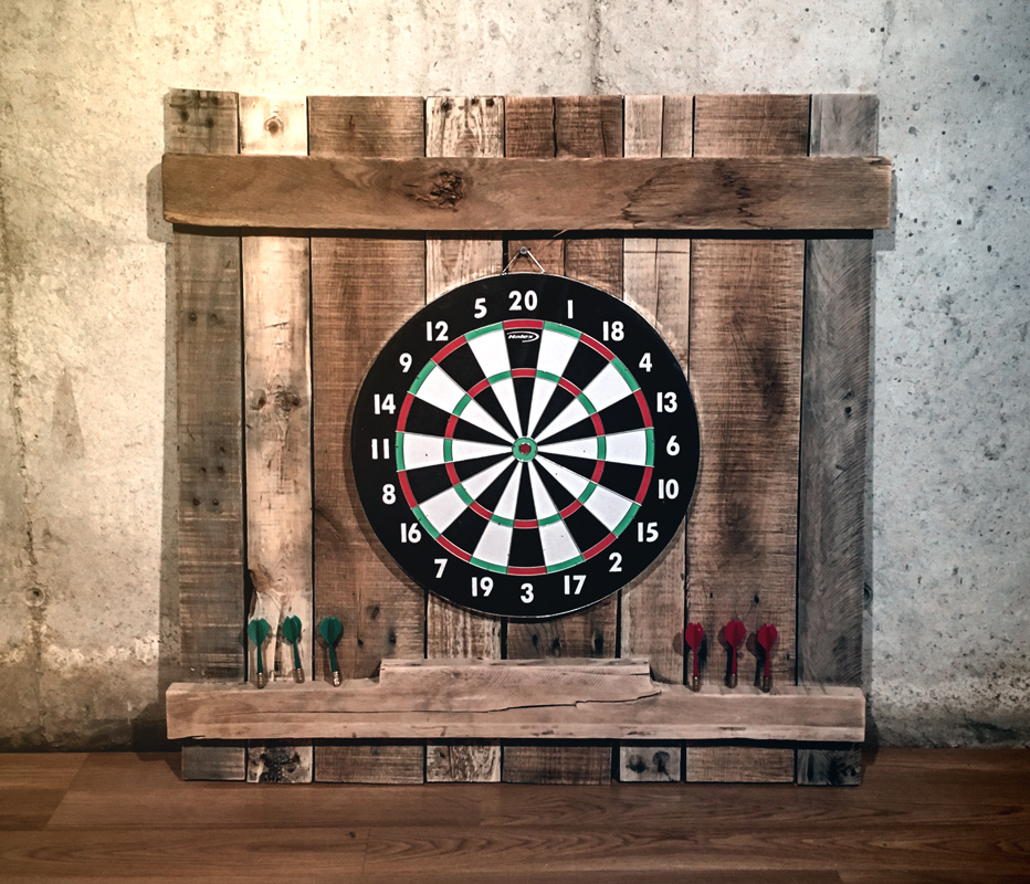 Game Room Bars: Pallet Dart Board